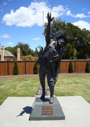 harry murray statue evandale tasmania