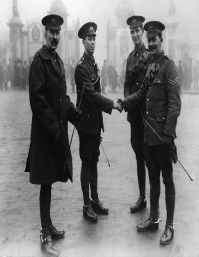Dec 9 1915 Buck Palace Trooper Potts with comrades